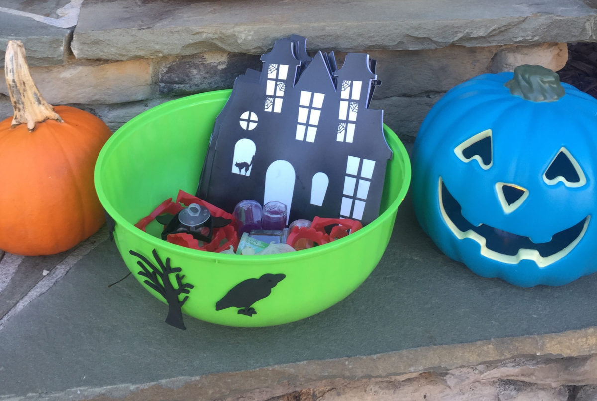 Halloween Teal Pumpkin Project for Keto Kids